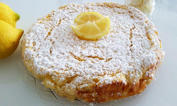Torta al limone, ricotta e yogurt con farina di riso