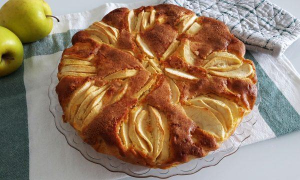 Torta morbida di mele senza glutine