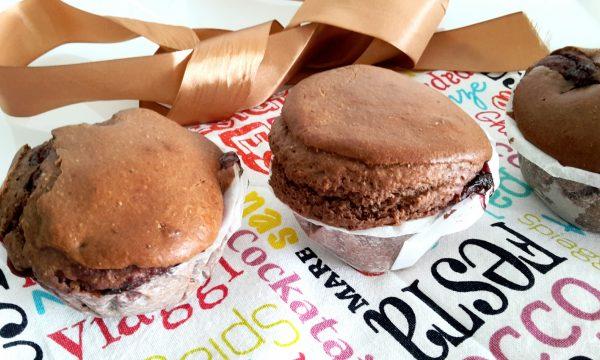 Muffin integrali al cacao con marmellata