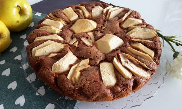 Torta al cacao con mele senza glutine