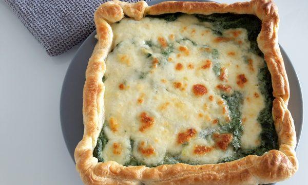 Torta salata con spinaci frullati, ricotta e mozzarella