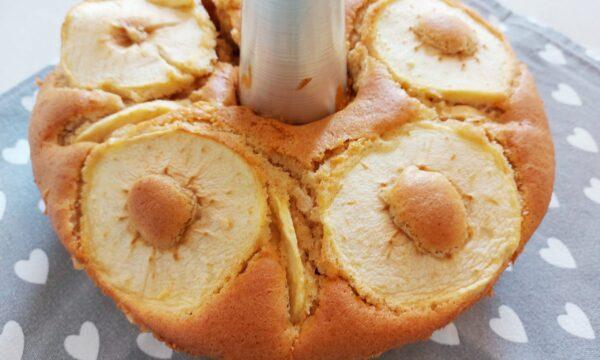 Chiffon cake alle mele e cannella