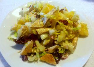 insalata di petto di pollo ananas e mandorle