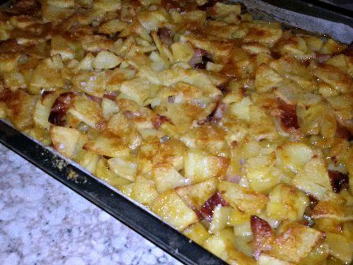 Patate, porcini e speck al forno