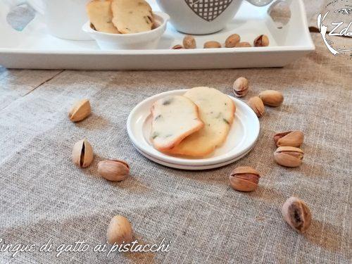 Lingue di gatto ai pistacchi senza burro