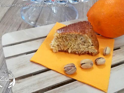 Torta morbida con arancia e pistacchi