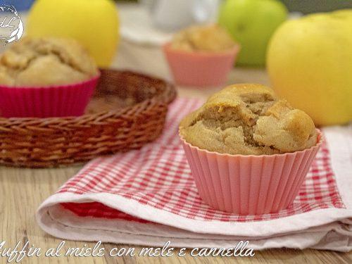 Muffin al miele con mele e cannella