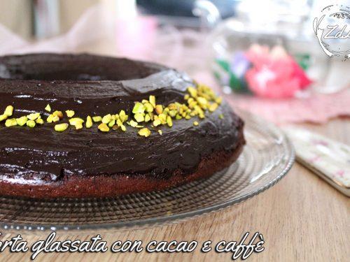 Torta glassata con cacao e caffè