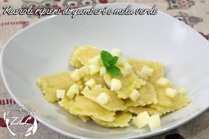 Ravioli ripieni di gamberi e mela verde