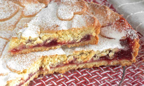Crostata con confettura di fragole ricetta facile