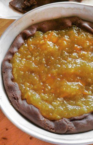 Crostata al cacao con marmellata di arance da ultimare