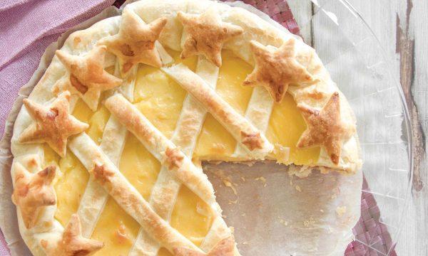 Crostata in pasta sfoglia con crema pasticcera