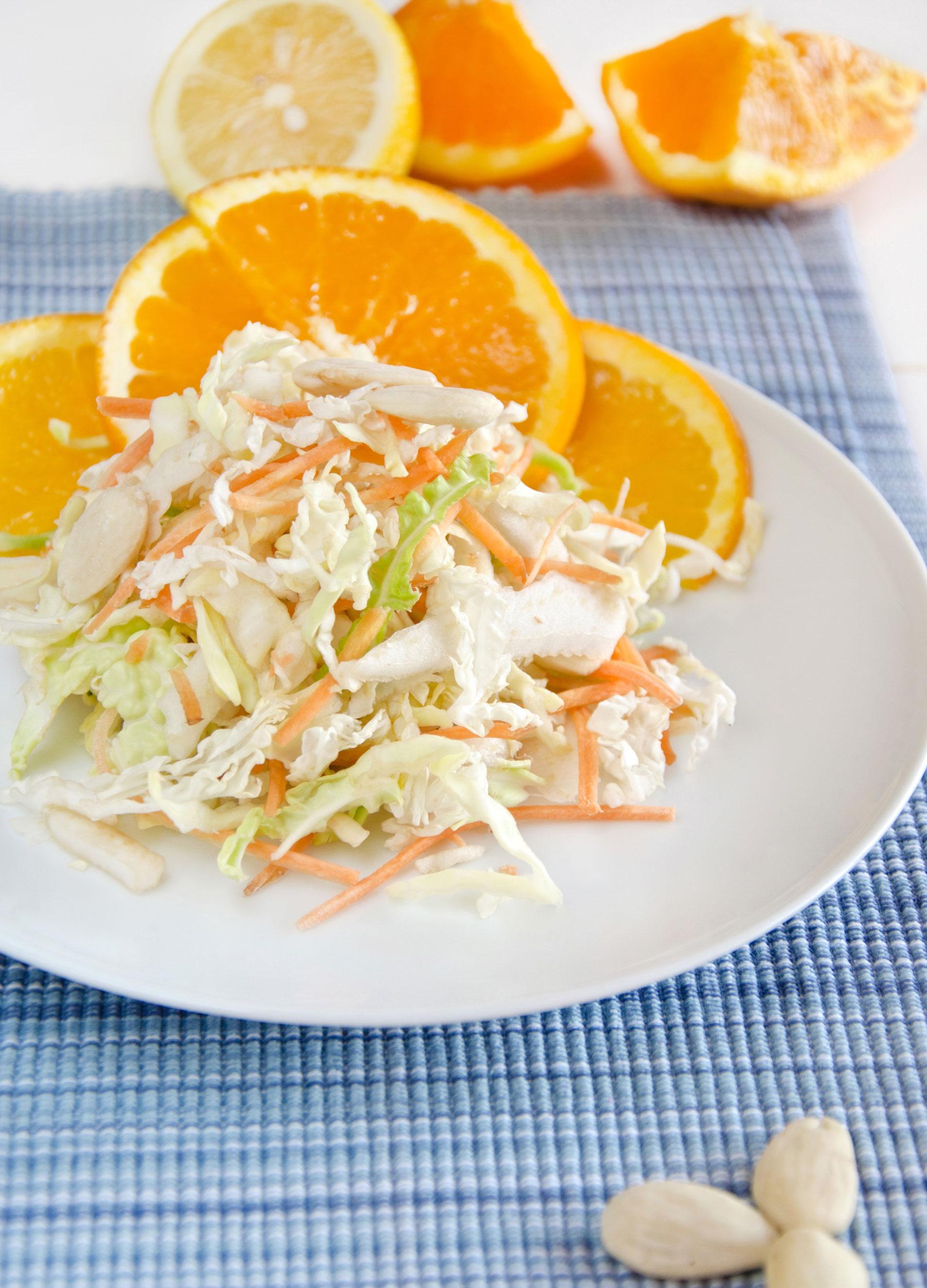 Insalata di cavolo verza e carote sfiziosa