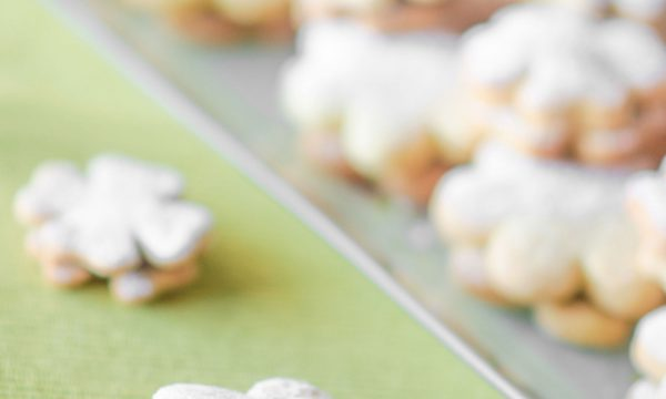 Biscotti con ripieno di nutella