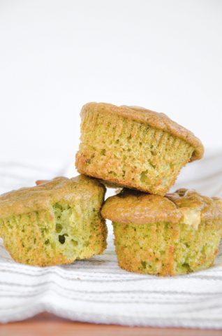 Muffin al pesto ricetta facile