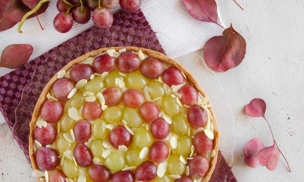 Crostata golosa alla crema ed uva
