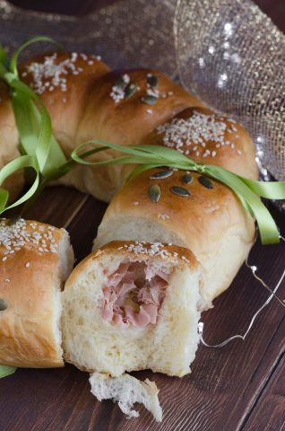Ghirlanda di pan brioche facile e gustosa