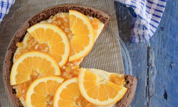 Crostata morbida al cacao con crema all'arancia