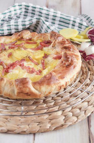 Torta salata con radicchio e speck ricetta