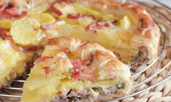 Torta salata con radicchio rosso patate e speck