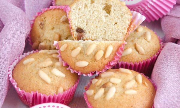 Muffin con uvetta e pinoli
