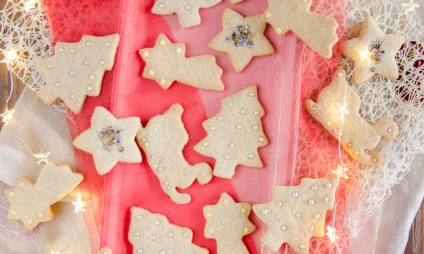Biscotti di Natale al profumo di arancia e cannella