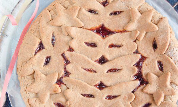 Crostata facile con farina di castagne e confettura
