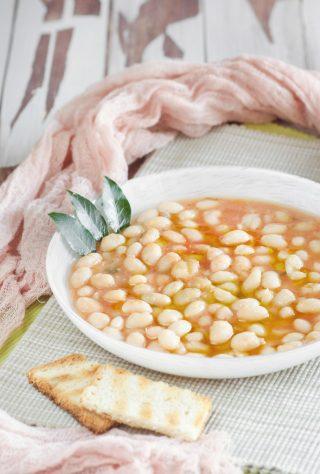 Fagioli in umido ricetta tipica
