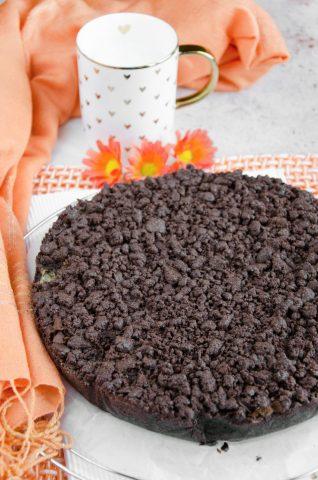 Sbriciolata al cacao farcita con mascarpone e mele