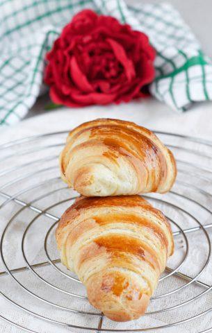 Croissant sfogliati ricetta deliziosa