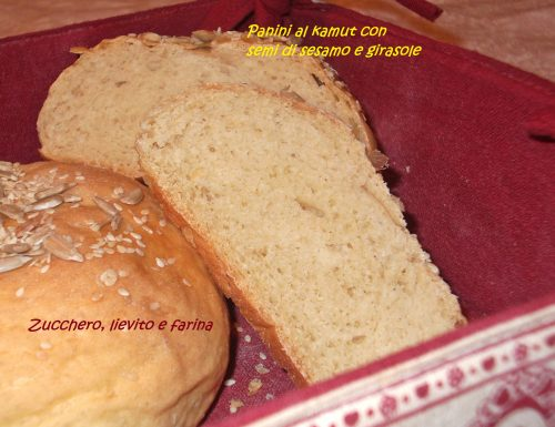 Panini al Kamut con semi di girasole e sesamo – Kamut bread with Sesame and sunflower seeds