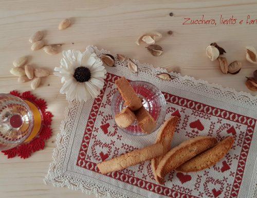 Etruschi (o Cantucci) con farina di kamut