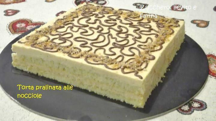 Torta Pralinata alle Nocciole _ Torte decorate per le feste natalizie