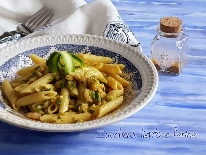 penne con zucchine e gamberetti al curry