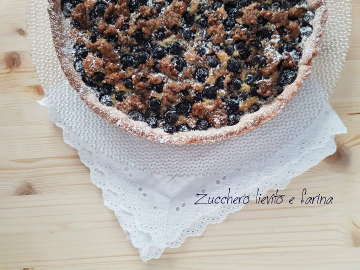crostata mandorle e mirtilli