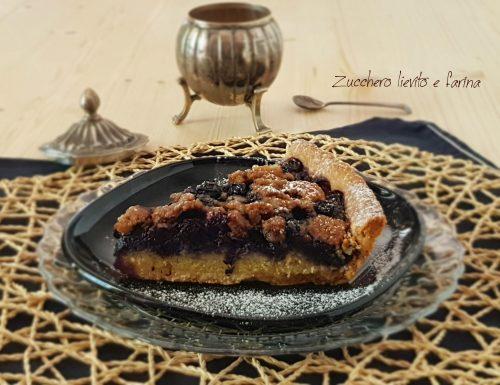 Crostata mandorle e mirtilli con crumble allo zucchero muscovado