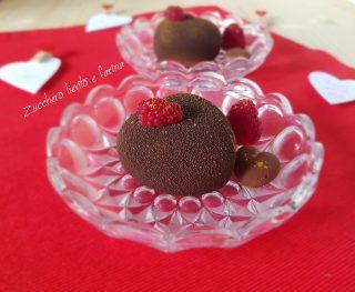 Cuori di mousse al cioccolato e pistacchio