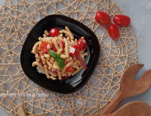 Passatelli freddi con speck e pomodorini